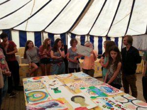 Co-creatie schilderenworkshop in vakantiesfeer bij VakantieAnders