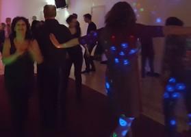 Dansede mensen oud en neiuw VakantieAnders